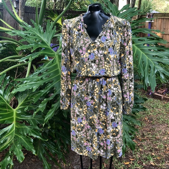 Old Navy Dresses & Skirts - Green Floral Print Old Navy Long Sleeve Dress